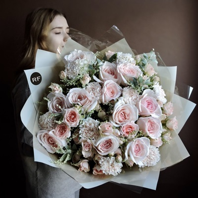 Flower delivery to Russia