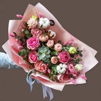 Flowers to St Petersburg Russia