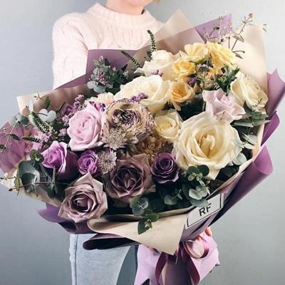 Flowers delivery in Petersburg