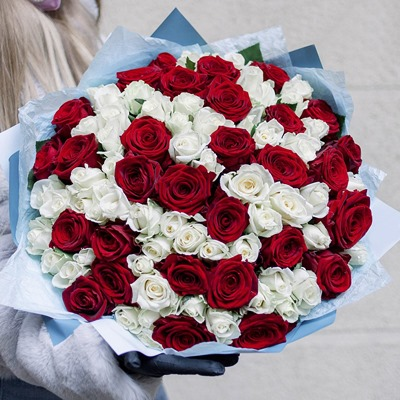 Fresh Roses for Russia Moscow
