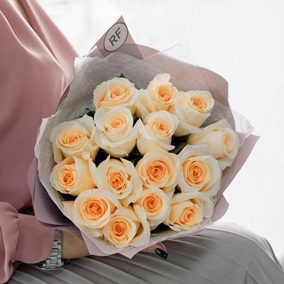 Send roses to Petersburg