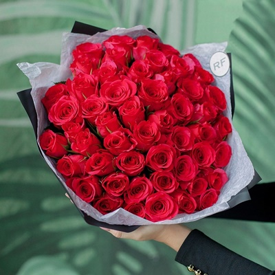 Roses delivery for Moscow Russia