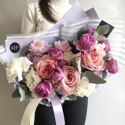 Send flower bouquets to Moscow