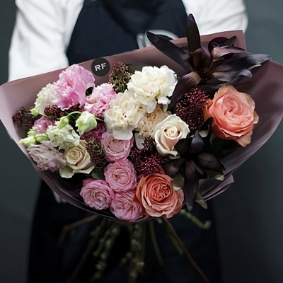 Flower bouquet delivery to Moscow