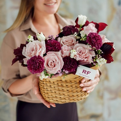 Flower basket to Moscow Russia