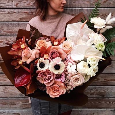 Роскошные цветы для Москвы Россия