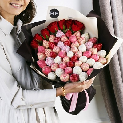 Strawberry bouquets delivery Russia