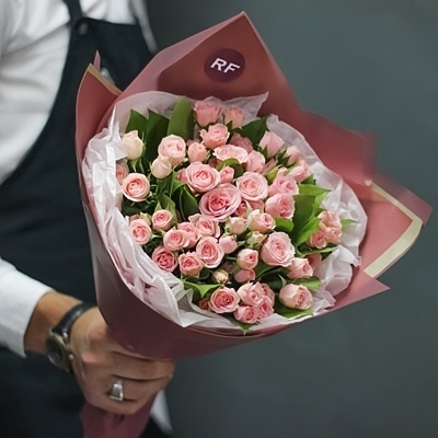 Send corporate flowers to Moscow