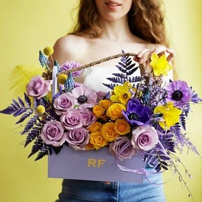 Luxury flower basket Moscow