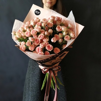 Send peony bouquets to Moscow