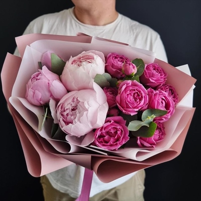 Send peony bouquets for Moscow