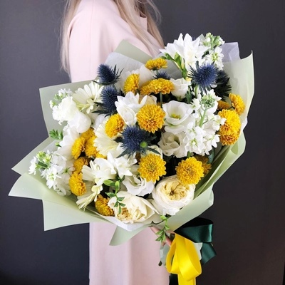 Flower arrangements for Russia Moscow