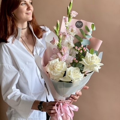 flower arrangement to moscow